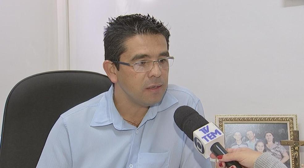 Segundo secretario de Saúde Ronaldo Danilo de Almeida, resultados da primeira análise está dentro do padrão de normalidade (Foto: Reprodução/TV TEM)