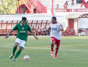 Zé Roni, do Noroeste, contra a Francana, pela Copa Paulista (Foto: Paulo Macarini / Ag. Bom Dia)