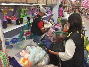 Ao todo, 349 brinquedos foram apreendidos na Operação Especial Papai Noel (Foto: Divulgação/Ipem-PE)