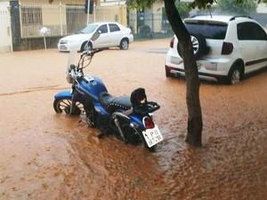 Chuva Bom Jesus do Itabapoana (Foto: Roberta Moreira/Arquivo pessoal)