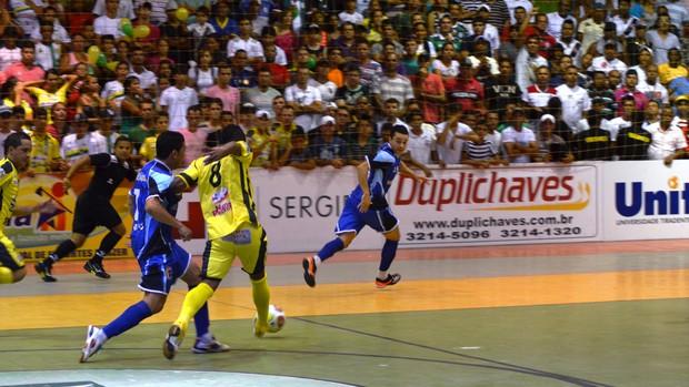 Itaporanga vendeu caro a derrota (Foto: Thiago Barbosa/GLOBOESPORTE.COM)