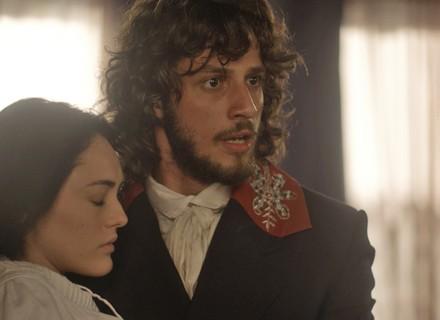 Bolsa de Anna estoura, e Joaquim corre para socorrê-la