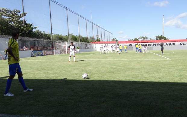 Corinthians-AL 2x0 Comercial (Foto: Paulo Victor Malta / Globoesporte.com)