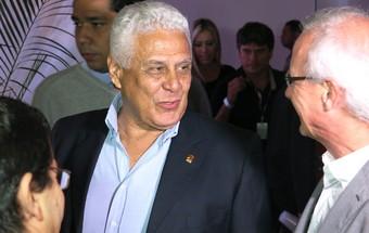 Roberto Dinamite, Lançamento camisa Vasco (Foto: Edgard Maciel)