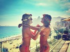 Uau! Thaila Ayala e Fiorella Mattheis curtem dia de sol no Rio