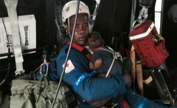 Autoridades do país descreveram a sobrevivência de Maria Nelly Murillo, 18 anos, e do bebê, como um
