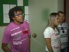 Professores dormem em prefeitura da PB para cobrar salários atrasados