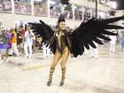 Sabrina Sato usa fantasia dramática e arrasa em desfile na Sapucaí