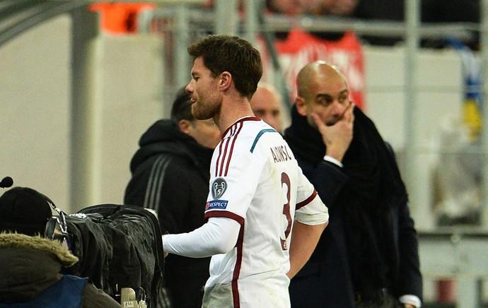 Xabi Alonso, Shahktar x Bayern de Munique (Foto: EFE)