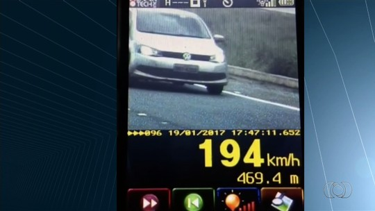 Motorista é flagrado a 194 km/h na BR-060 em Goiás; veja vídeo