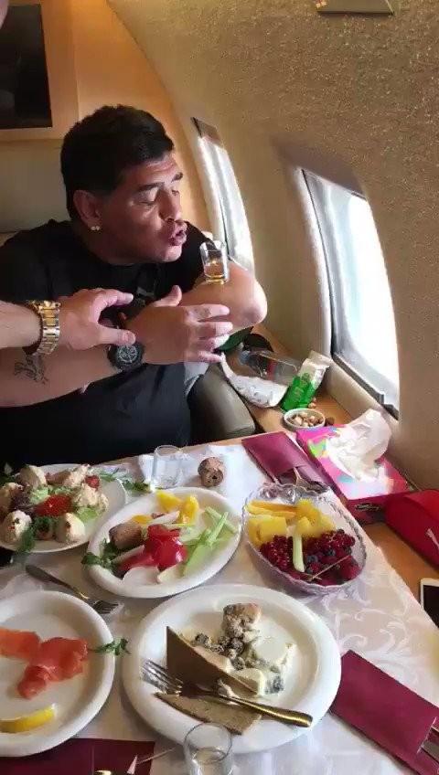 """BLOG: Jornalista posta vídeo de Maradona """"em seu estado puro"""""""