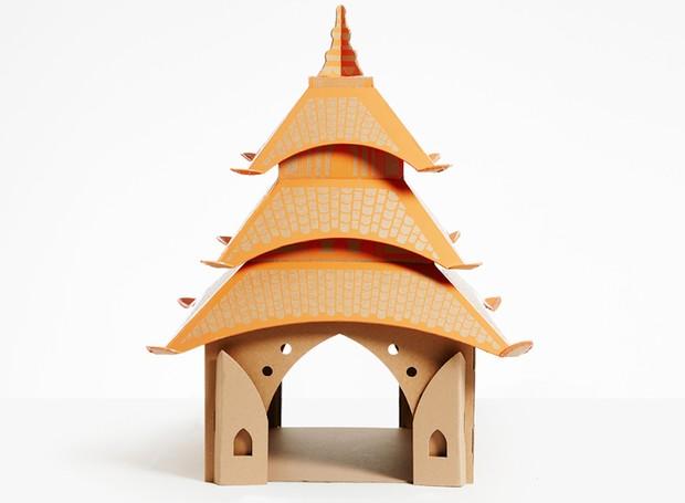 Conhecida como pagoda, a torre com múltiplas beiradas é comum na China e no Japão. A versão para gatos mede 40 x 40 x 70 cm (Foto: Divulgação)