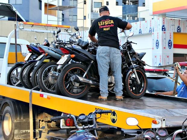 Operação foi realizada em várias avenidas de Manaus (Foto: Gabriel Machado/G1 AM)
