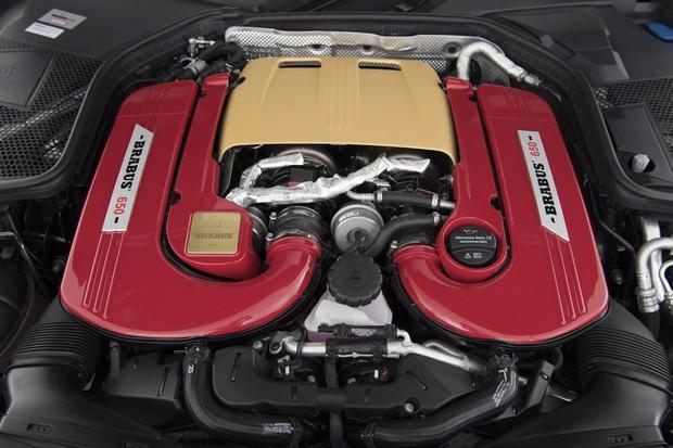 Motor V8 tem potência ampliada em 140 cv em relação ao AMG, nada menos que 650 cv (Foto: Divulgação)