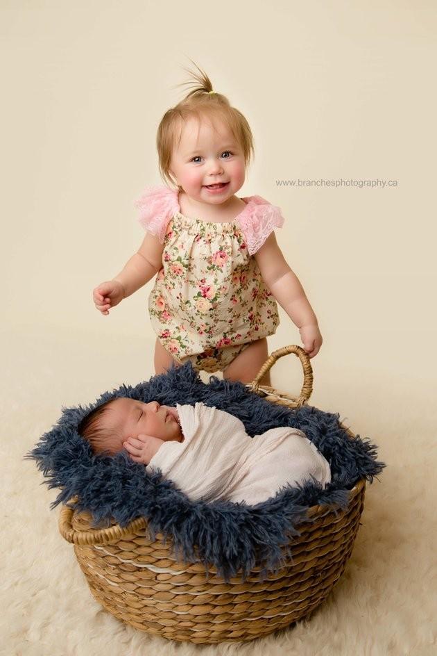 Mia, 10 meses, e seu irmão mais novo, Ezra (Foto: Reprodução / Jen Matchett of Branches Photography)