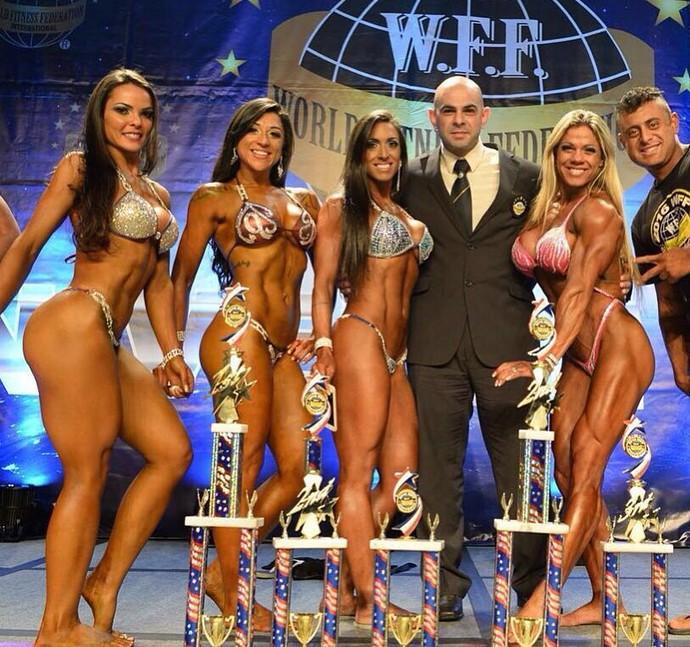 Karolina Marreiro ao conquistar o título máximo do fitness neste último final de semana, nos EUA (Foto: Divulgação/Maurício Ciraqui)