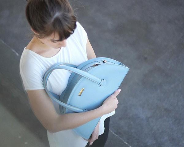 As bolsas da Orna são todas feitas à mão sob o conceito de slow fashion (Foto: Reprodução/Instagram)