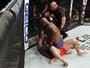 Derrick Lewis sofre, mas nocauteia Shamil Abdurakhimov no quarto round