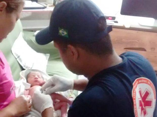 Segundo informações, bebê passa bem após ser resgatado (Foto: Cristiane Jesus/Arquivo Pessoal)