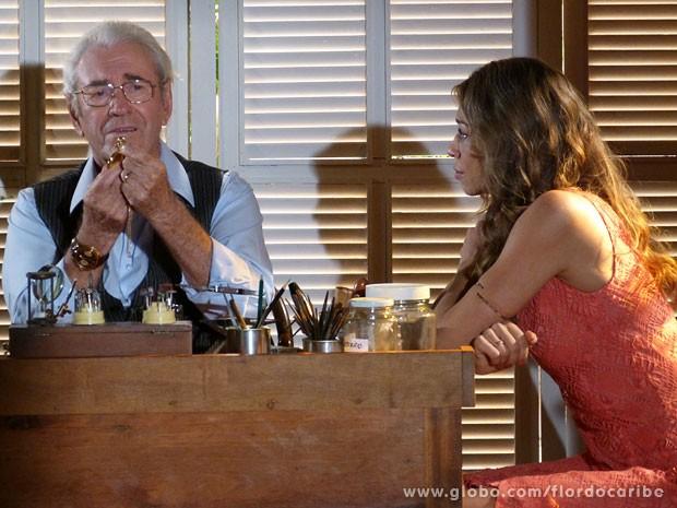 Samuel se emociona com o gesto de Ester (Foto: Flor do Caribe / TV Globo)