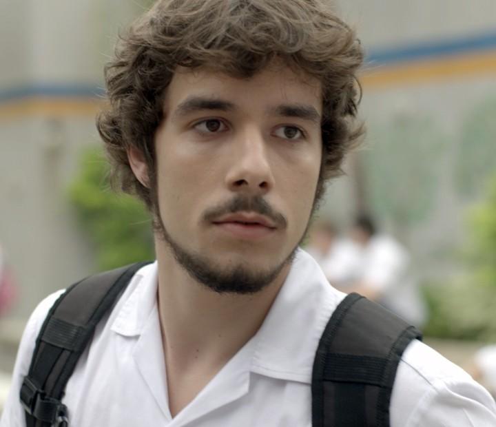 Luan manda Alina não se aproximar de Uodson (Foto: TV Globo)