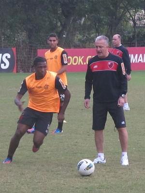 Dorival Júnior com os jogadores (Foto: Richard Souza / Globoesporte.com)
