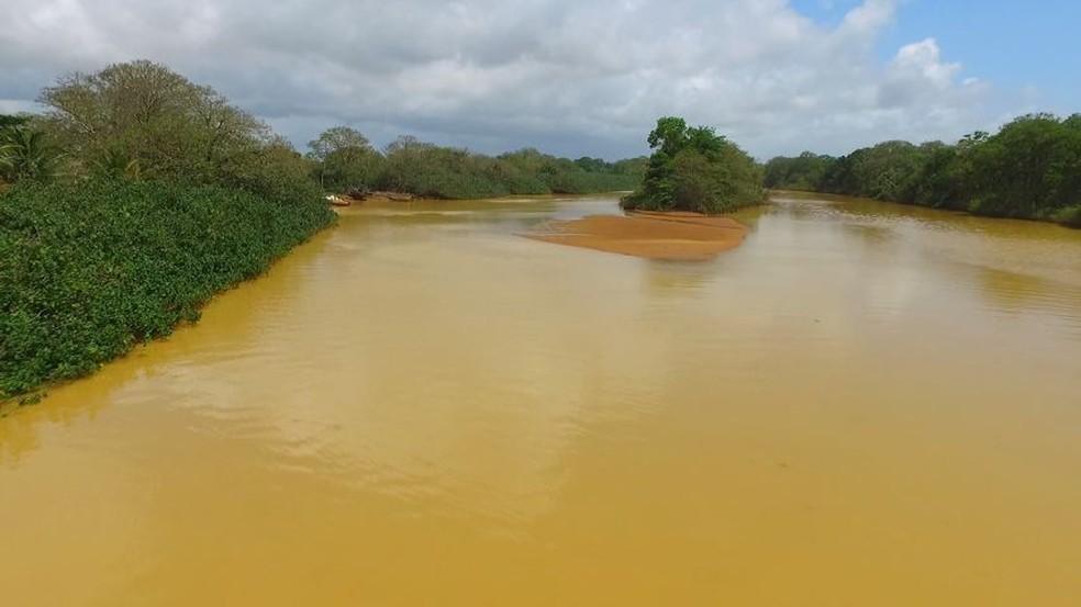 Foz do Rio Doce, em Regência, no Espírito Santo (Foto: Reprodução/ TV Gazeta)