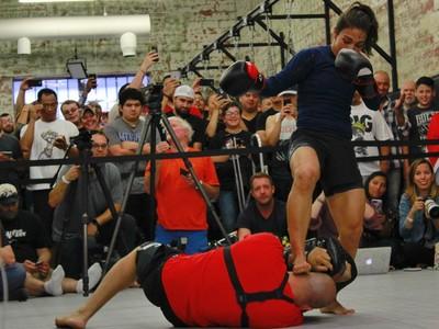 Jéssica Andrade, Bate-Estaca, treino aberto UFC 211, MMA (Foto: Adriano Albuquerque)