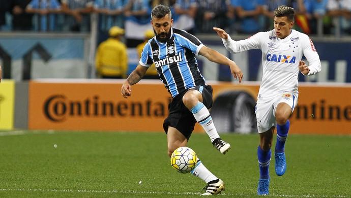 Douglas Grêmio x Cruzeiro (Foto: Lucas Uebel/Divulgação Grêmio)