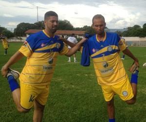 Paulo Roberto (à direita) deixou o Tocantinópolis para integrar o elenco do Interporto (Foto: Vilma Nascimento/GloboEsporte.com)