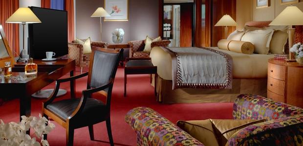 A suíte oferece aos clientes 12 quartos de luxo com banheiros privativos revestidos em mármore e acessórios da Hermès (Foto: Divulgação/Hotel President Wilson)