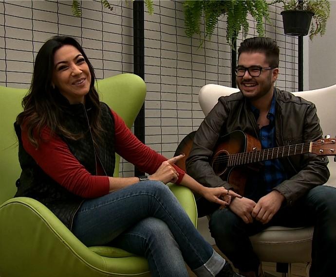 Gabriel Farias Mistura com Rodaika Cris Silva (Foto: Reprodução/RBS TV)