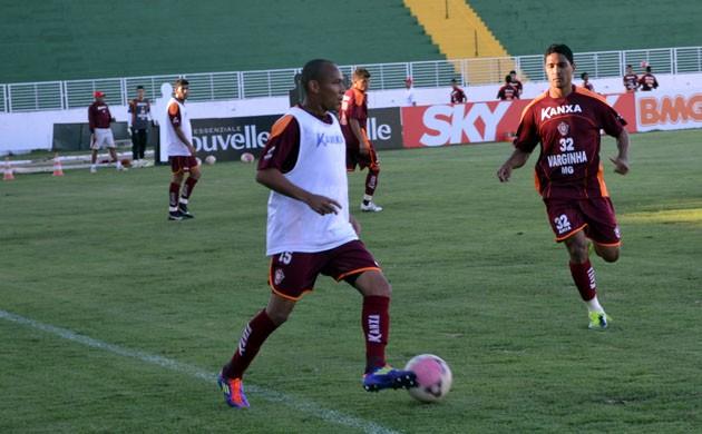 O meia Francismar retorna para reforçar o Boa Esporte (Foto: Tiago Campos / Globoesporte.com)