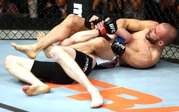 Paddy Holohan X Chris Kelades, UFC (Foto: Getty Images)