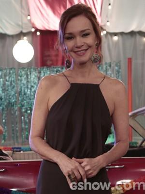 A atriz acha que a personagem deveria recomeçar (Foto: Felipe Monteiro/TV Globo)