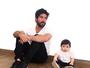 Sandro Pedroso e o filho, Noah, usam roupas iguais em foto: 'De boa'