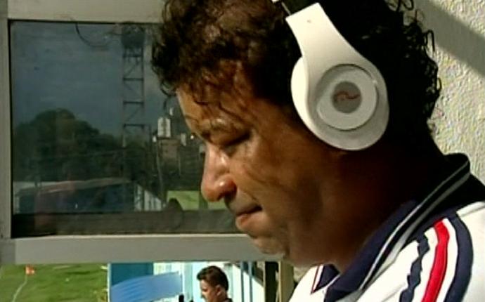 Locutor Jefferson Costa se emocionou com o momento do São Mateus (Foto: Reprodução/TV Gazeta Norte)