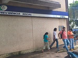 Agência do INSS em Macapá ainda não aderiu à mobilização de greve (Foto: John Pacheco/G1)