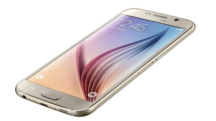 Galaxy S6 consegue oferecer mais funcionalidades por preço não muito diferente do G4 (Foto: Divulgação/Samsung)