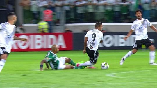 """Felipe Melo agradece torcida, elogia Eduardo e diz: """"Não podemos deixar a peteca cair"""""""