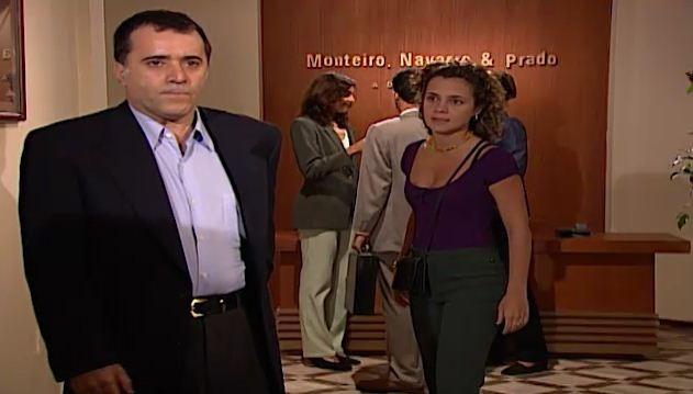 Sandra e Clementino discutem e ela o acusa de ter explodido o shopping  (Foto: Reproduo/viva)