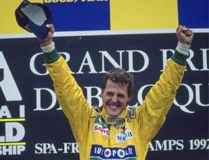 Michael Schumacher comemora primeira vitória na carreira, em Spa-Francorchamps, 1992 (Foto: Getty Images)