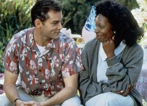 """Ray Liotta e Whoopi em """"Corina, uma Babá Perfeita"""" (1994) (Foto: Divulgação / Reprodução)"""
