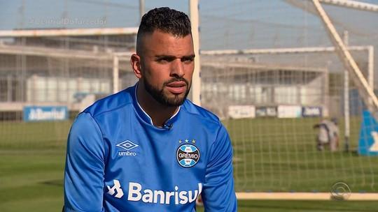 """Maicon, o """"sujeito homem"""": capitão fecha 100 jogos no banco por lealdade ao grupo"""