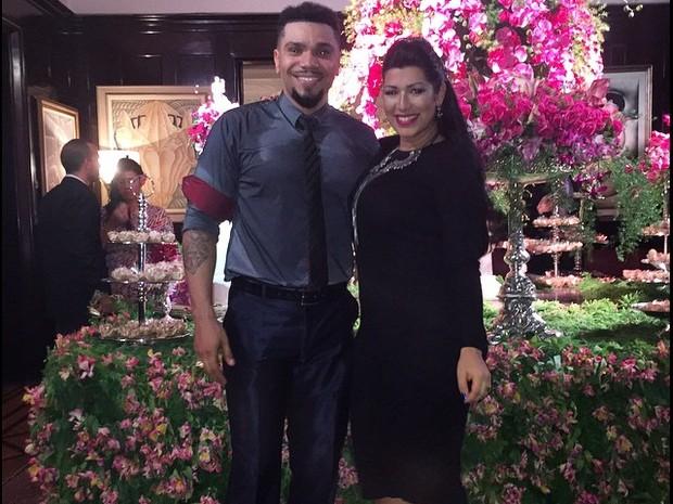 Naldo e Ellen Cardoso, a Mulher Moranguinho, na festa de casamento de Preta Gil e Rodrigo Godoy em Santa Teresa, no Centro do Rio (Foto: Instagram/ Reprodução)