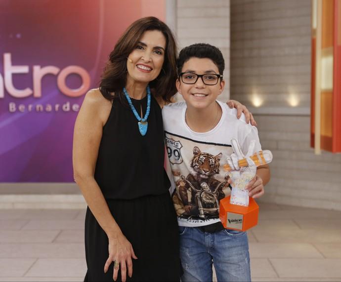 Fátima com o campeão do 'The Voice Kids', Wagner Barreto  (Foto: Fabiano Battaglin/Gshow)
