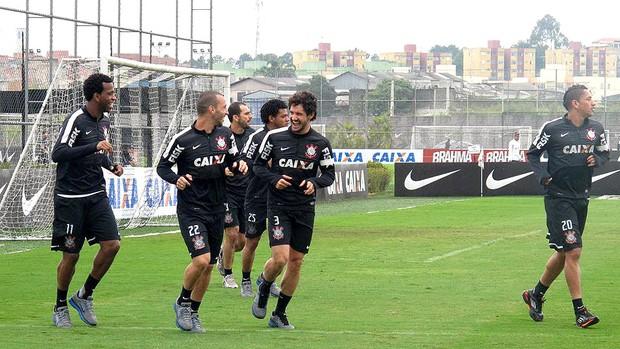 Alexandre Pato jogadores treino Corinthians (Foto: Rodrigo Faber)