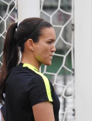 Aline, goleira da seleção brasileira (Foto: Cíntia Barlem)