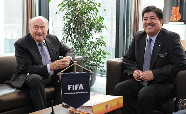 Joseph Blatter Luis Bedoya presidente da Federação Colombiana de Futebol (Foto: Divulgação/FCF)
