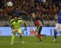 Nova líder do ranking Fifa, Bélgica bate a Itália de virada em dia de lembrança